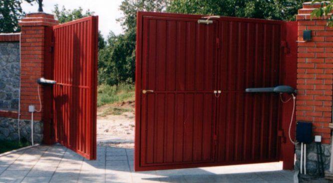 Распашные ворота.